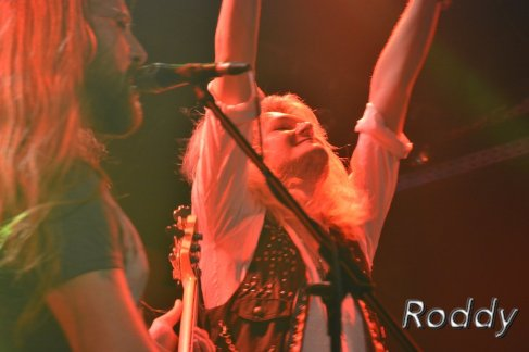 Kissin Dynamite (c) Roddy McCorley 14