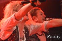 Kissin Dynamite (c) Roddy McCorley 16
