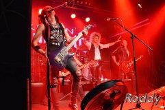 Kissin Dynamite (c) Roddy McCorley 37
