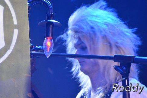 Kissin Dynamite (c) Roddy McCorley 40